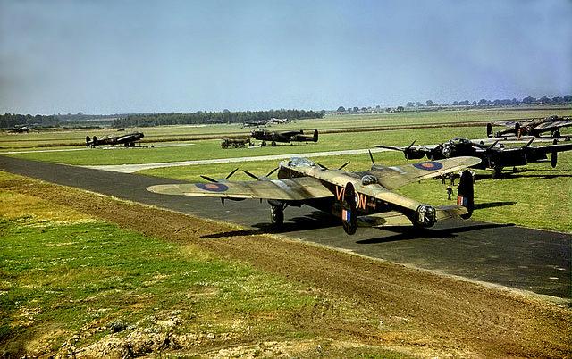 Avro Lancaster R5689 (VN-N) at Swinderby Airfield